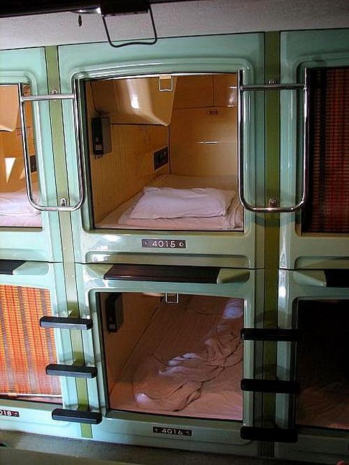 capsule_hotel_03