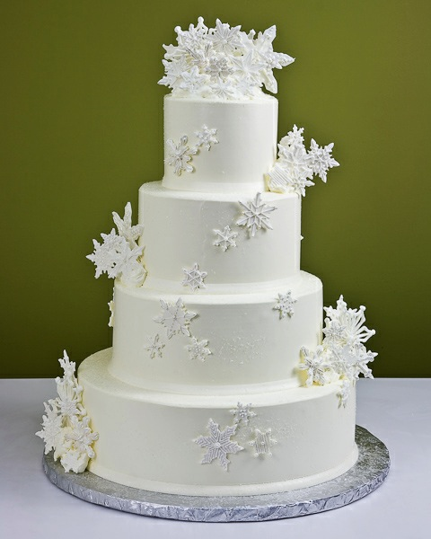 Elegant-Winter-Wedding-Cakes-for-wedding-Day-4