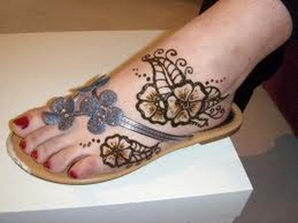 Simple Arabic Mehndi Designs For Feet 2