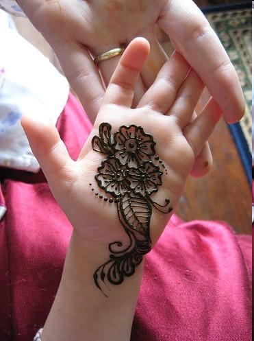 arabic Mehndi-Designs-For-Kids-