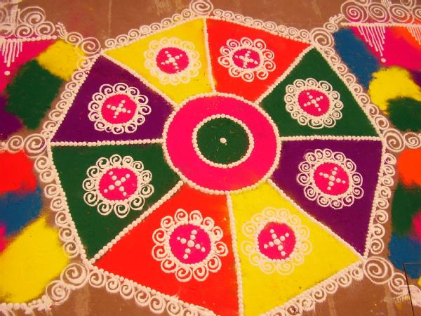 colorful-vibrant-rangoli