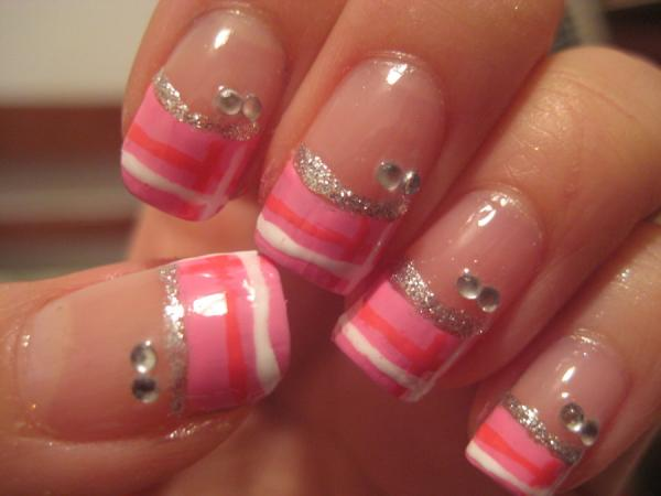 pink-blunt-nails-with-glitter