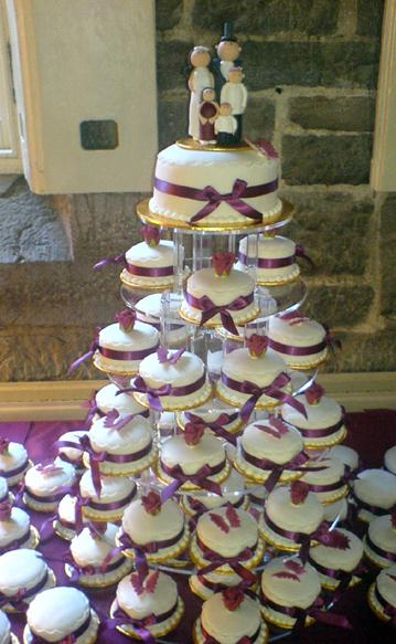 wedding_cake_mini_claret