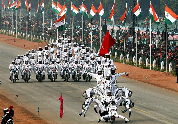 Daredevil motorcycle riders perform during the full dress rehearsal for the Republic Day parade in New Delhi
