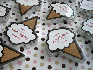bridal shower favors cookie cutter