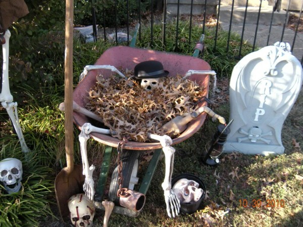 Halloween-Yard-Decoration