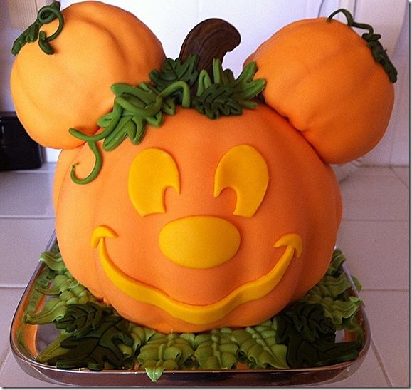 mickey pumpkin cake