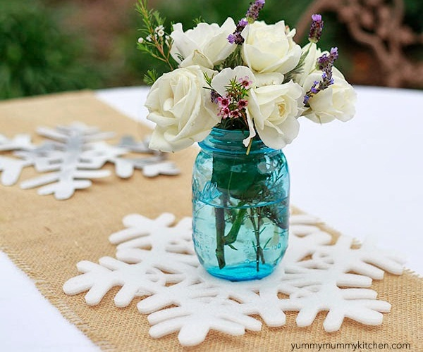 frozen party decor