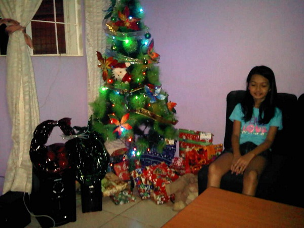 Christmas In The Philippines Cathy - Spanish Christmas Trees