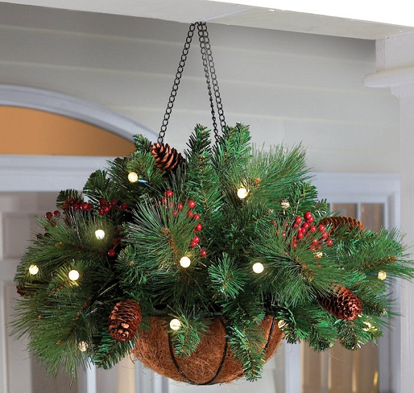 Outdoor christmas decorations cathy Outdoor christmas garland ideas
