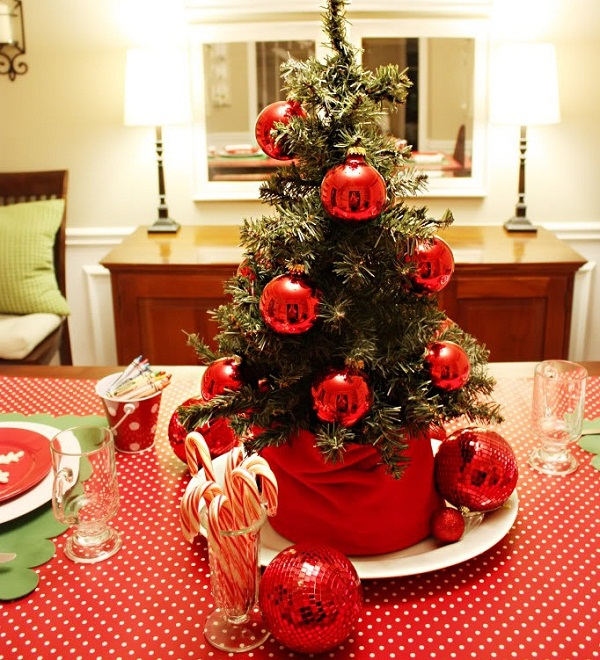 Easy Christmas Centerpiece Ideas3