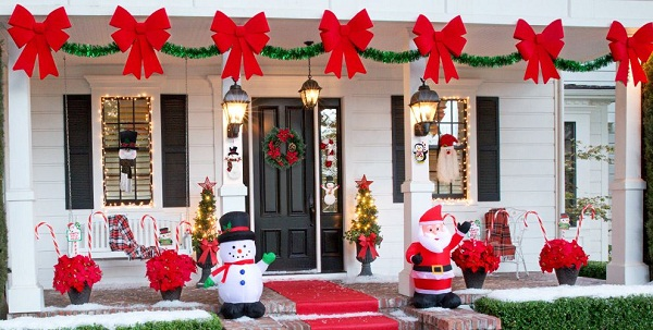 Outdoor Christmas Decorations Canada
