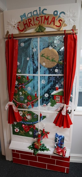 DIY Door Decoration For Christmas  Cathy ~ 030652_Christmas Decorating Ideas For Door Contest