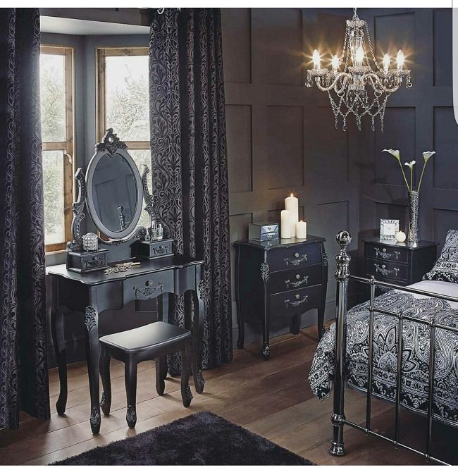 22 Halloween Bedroom Ideas